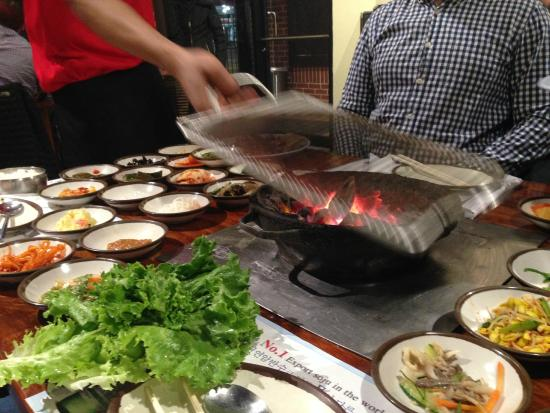 San Soo Gab San Korean Restaurant & Sushi House : setting up your personal grill
