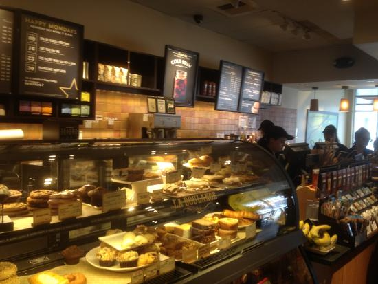 Roseland, Nueva Jersey: Starbucks - bakery counter