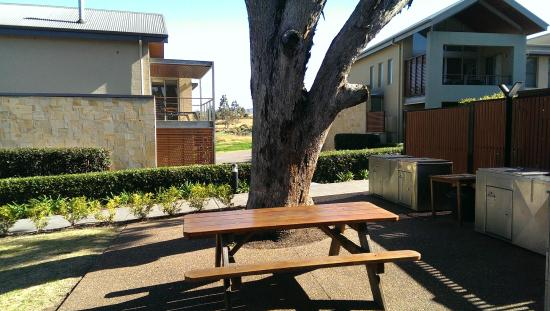 Grand Mercure The Vintage Hunter Valley: BBQ Area