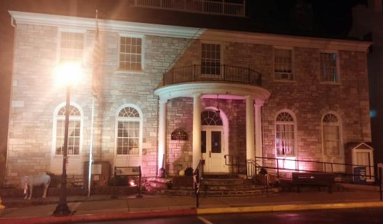 CandleLight Inn Bed & Breakfast: Town Hall honoring breast cancer awareness