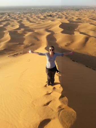 Auberge Africa: Climbing the dunes!