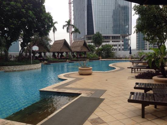The Ritz-Carlton Jakarta, Mega Kuningan: the lovely pool near gym area at level 5