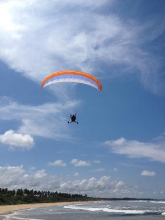 Bentota, Sri Lanka: The water sport of powered paragliding