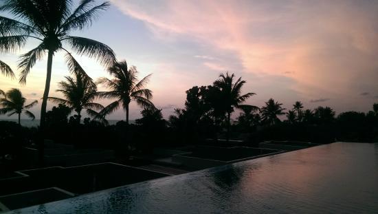 Aleenta Phuket Resort & Spa: sunset