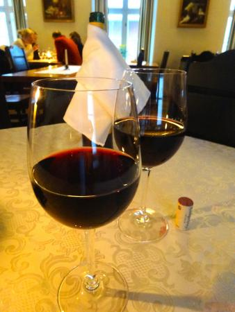 Grillhaus Daube: very good prices on house wine