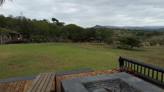 Bayete Zulu Boutique Lodge : View from one side of the house looking onto the kids area.
