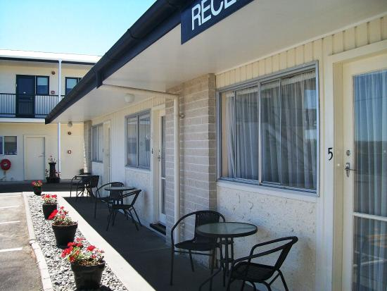 Cedar Court Motel