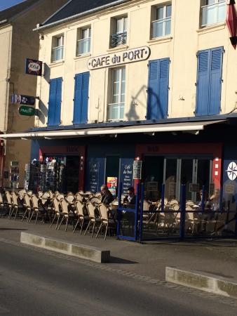Restaurant caf du port dans port en bessin huppain avec - Restaurant fleur de sel port en bessin ...
