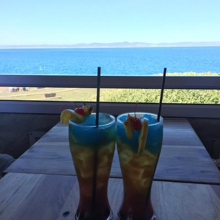 Cocos: Cocktails with a view