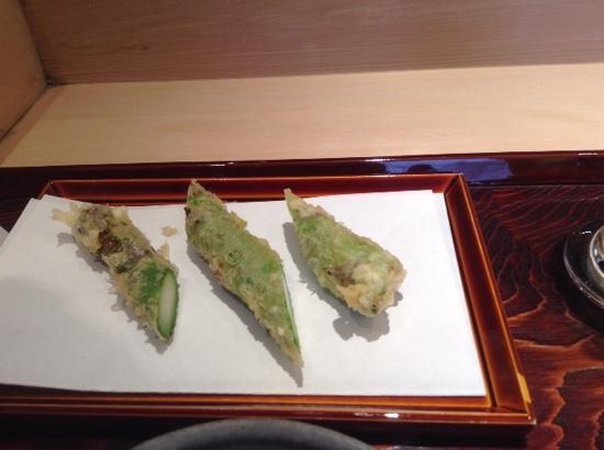 Tempra Kondo: asparagus