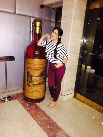 Jaypee Vasant Continental: Me with my drink 🍷😀