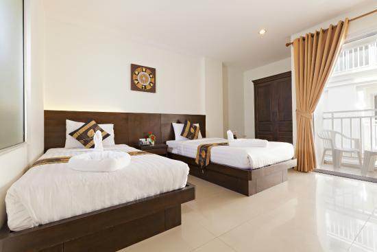 Garden Phuket Hotel: Twin bed
