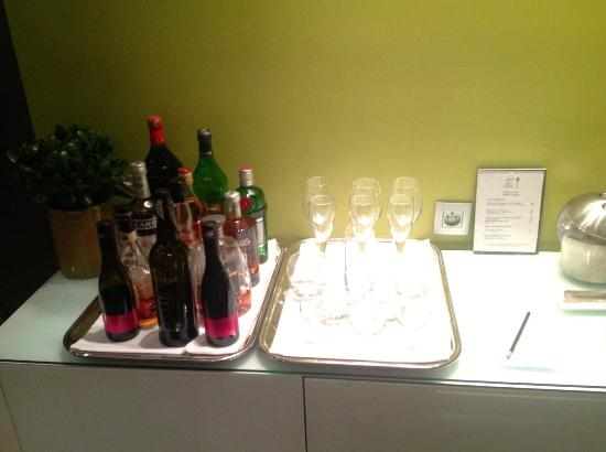 Hotel le Petit Paris: Honesty Bar