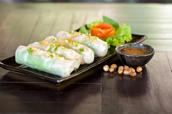 The Moon Boutique Hotel: Fresh spring roll