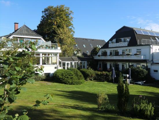 Hotel Hof Krähenberg: Hotel vom Garten aus