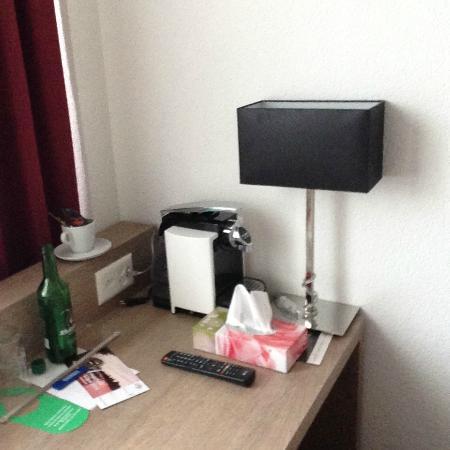 Alexander Hotel: Workdesk
