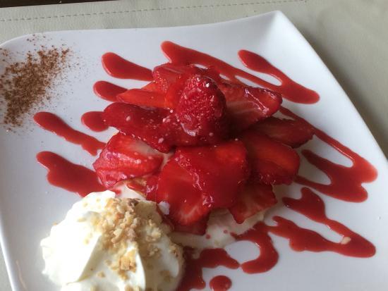 Le Verre et l'Assiette: Dessert tarte aux fraises