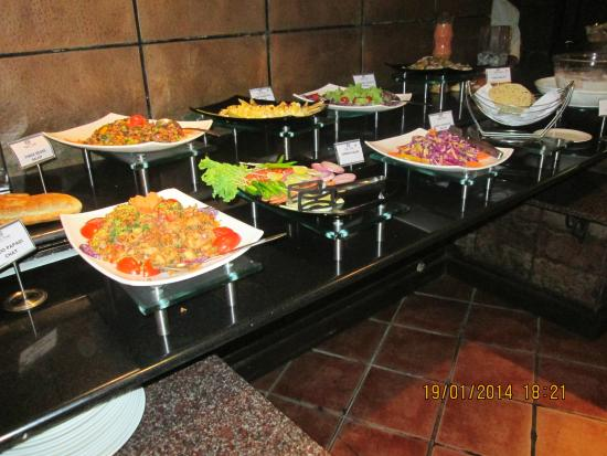 Ramada Bangalore: Restaurant