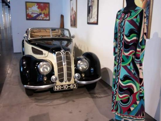 Automobile and Fashion Museum : BMW