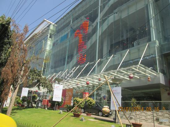 Ramada Bangalore : Majestic Shopping Centre