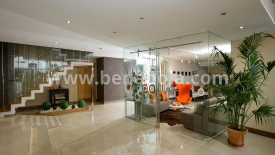 Benabola Hotel Suites Reception Area Apartments Puerto Banús