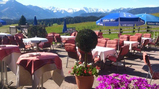 Landhotel Alphorn: herrliche Aussicht von Terrasse