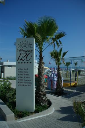 ingresso - Foto di Bagni 120 Riccione, Riccione - TripAdvisor