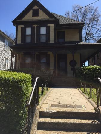 Martin Luther King Jr S Birthplace Picture Of Sweet Peach Tours