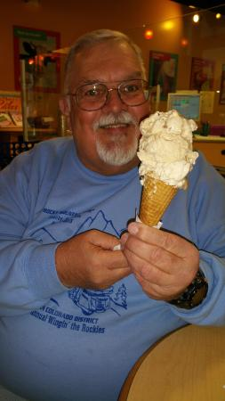 Magill's World of Ice Cream: Large scoops-both locations!