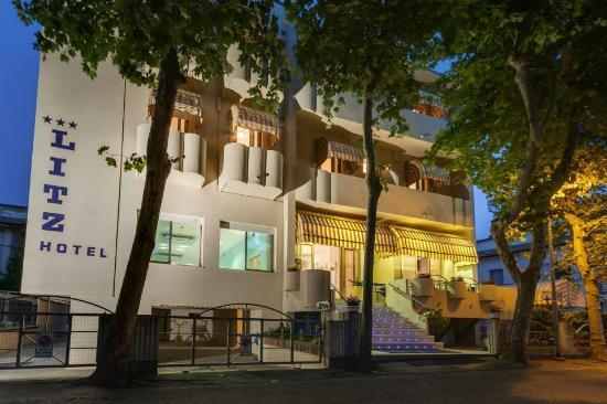 Hotel Litz: Esterno Hotel veduta serale