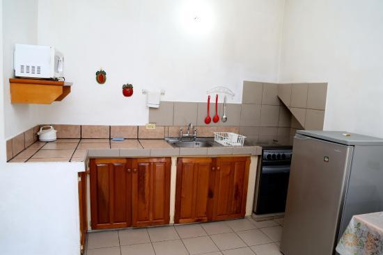 Tobago Lesville: kitchenette
