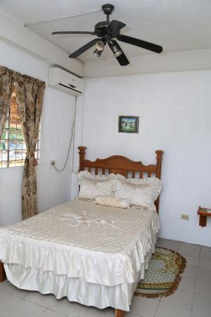 Tobago Lesville: studio room