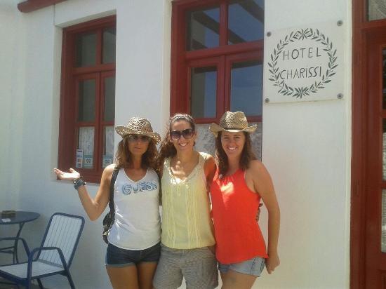 Charissi Hotel: con nuestra anfitriona...