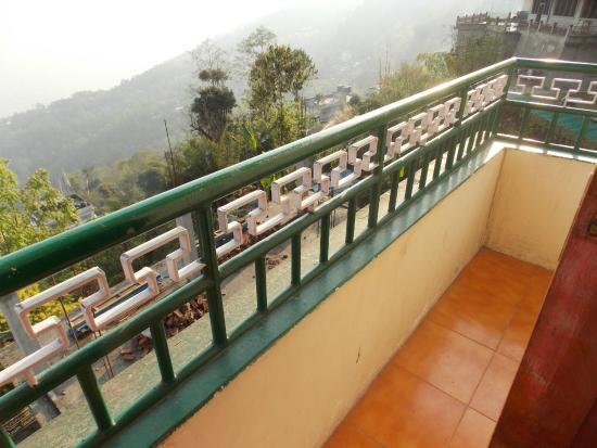 Hotel Simvo : Balcony of room