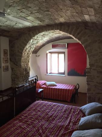 Camera da letto Grappolo d\'oro - Foto di La loggia sul Nera, Arrone ...