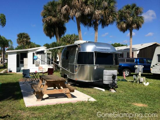 Groves RV Resort : Site 43 amongst the manufactured homes
