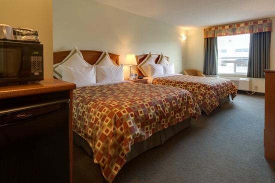 Service Plus Inns & Suites Calgary: Standard 2 Queen Beds