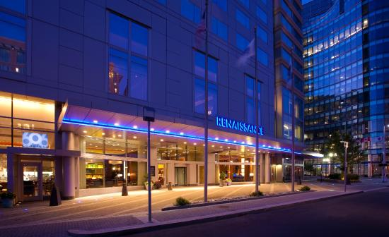 Renaissance Boston Waterfront Hotel