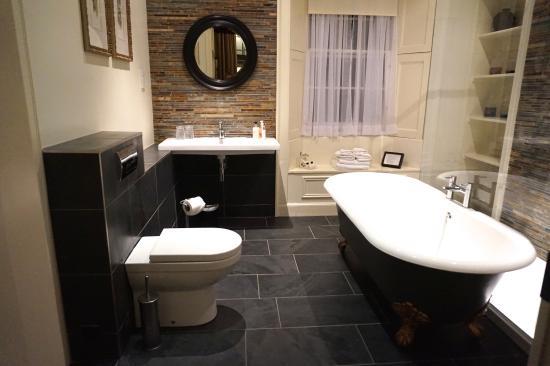 Five Pilmour Place: Bathroom