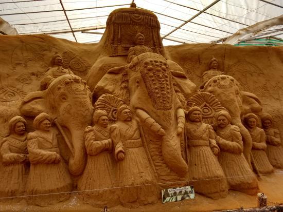 Mysore Sand Sculpture Museum: Mysore Dasara Ambari Procession on the last day