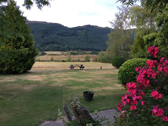 Willowbydowns Bed & Breakfast: View from the Front Garden of The Remarkables, Willowby Downs, Arrowtown, New Zealand