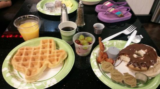 Best Western Plus North Odessa Inn & Suites: Very good food for hotel breakfast.