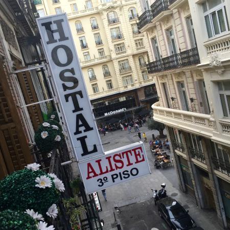 """Hostal Aliste : Uitzicht op hoek """"Gran Via"""""""