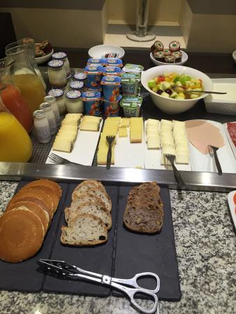 Plaza Tour Eiffel : breakfast