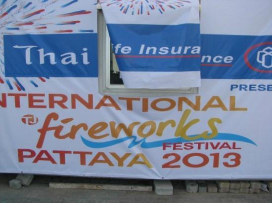 The A.A. Pattaya Residence: Фестиваль фейерверков 2013 в Паттайе