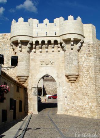 Hita, إسبانيا: Puerta de Santa Maria en Hita