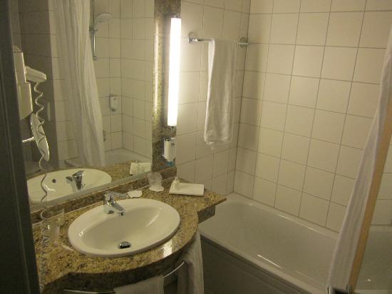 badezimmer - picture of nh koln altstadt, cologne - tripadvisor, Badezimmer