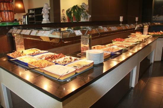 La Jonquera, Espagne : het buffet