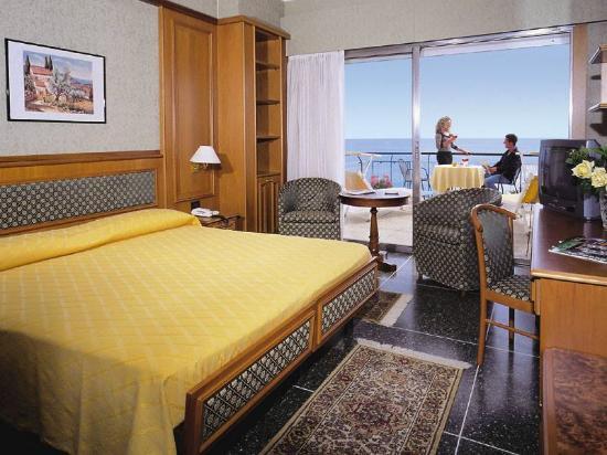 Hotel Bellevue E Mediterranee Diano Marina