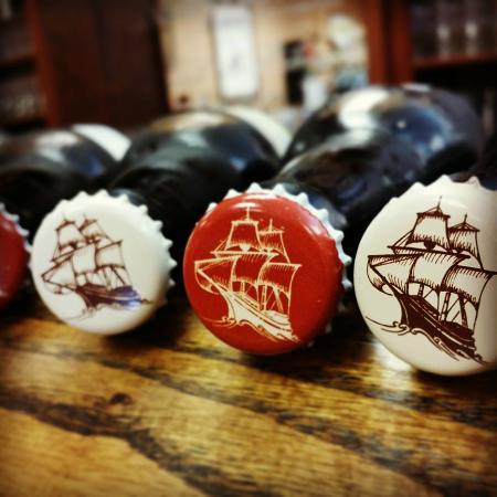Mayflower Brewing Company: Bottle caps